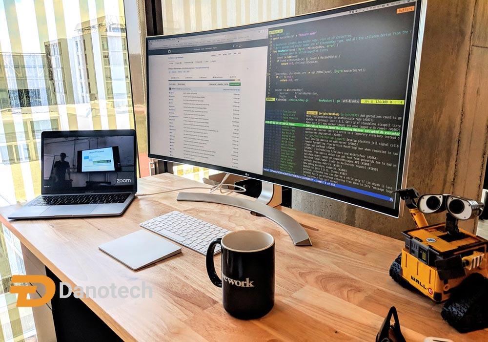بهترین مانیتور برای برنامه نویسی