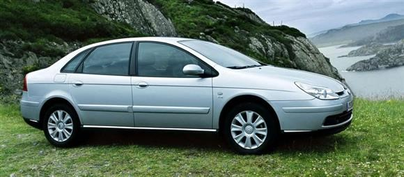 خودروهای 300 میلیونی با مشخصات قابلقبول