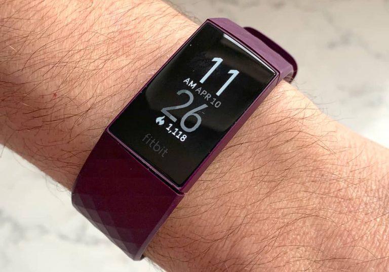 تشخیص صدای خر و پف به زودی در Fitbit
