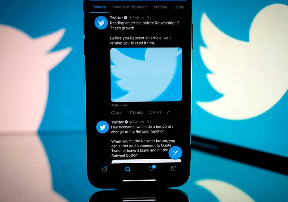 سرویس اشتراک توییتر آبی در فروشگاه App iOS