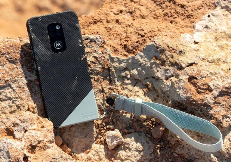 گوشی Motorola Defy با فناوری IP68 و Gorilla Glass Victus