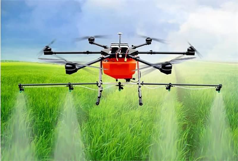 کشاورزی و سمپاشی با کمک کوادکوپتر