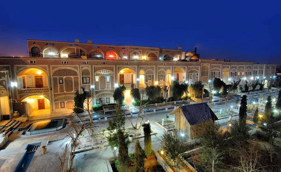 تاریخچه هتل مشیرالممالک یزد