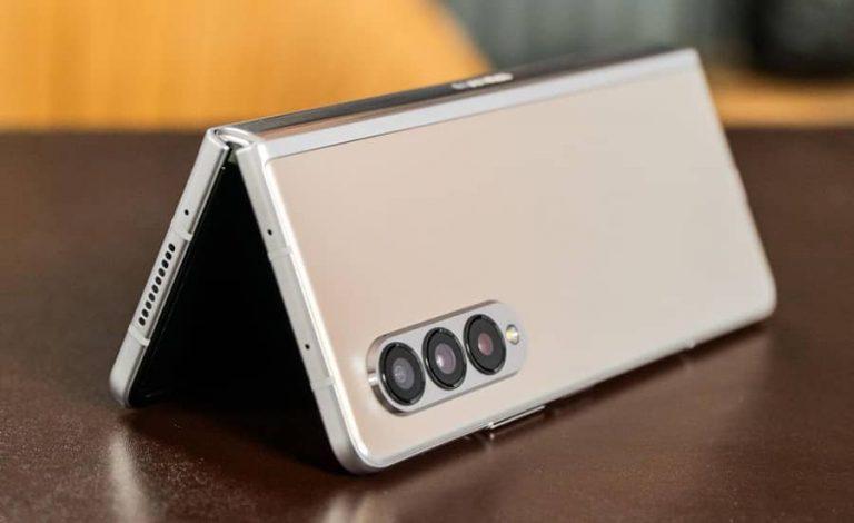 گوشی Galaxy Z Fold3 از قلمهای هوشمند قدیمی پشتیبانی نمیکند