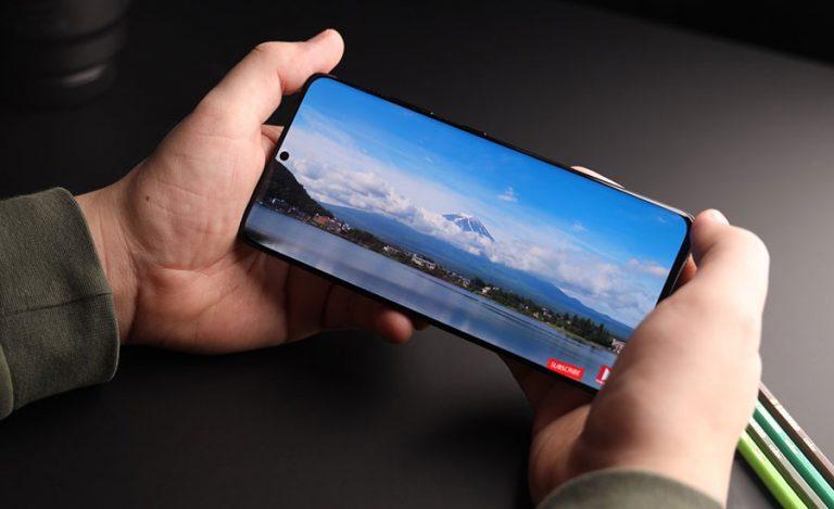 به گفته Ice Universe سری Galaxy S22 از دوربین زیر صفحه نمایش استفاده نمیکند