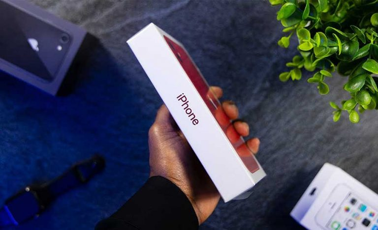 جعبه آیفون 13 بدون روکش پلاستیکی ارائه میشود