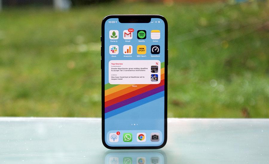 گوشیهای آیفون 13 و آیفون 13 پرو برای اولین بار از دو سیم کارت پشتیبانی میکنند