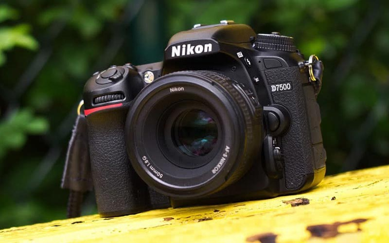 دوربین نیکون 7500d